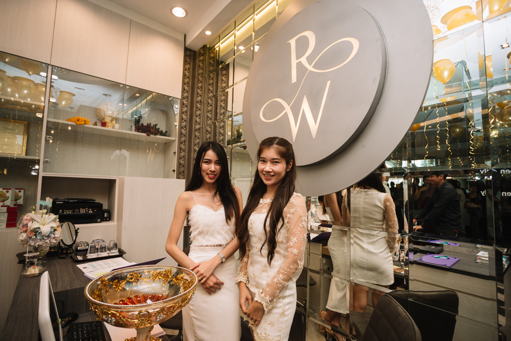 Welcome to Richwitz flagship clinic in Bangkok, Thailand